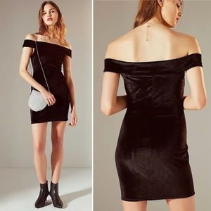 Urban Outfitters OfftheShoulders Velvet Mini Dress